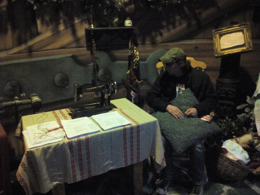 Антоха нашел свободный стол