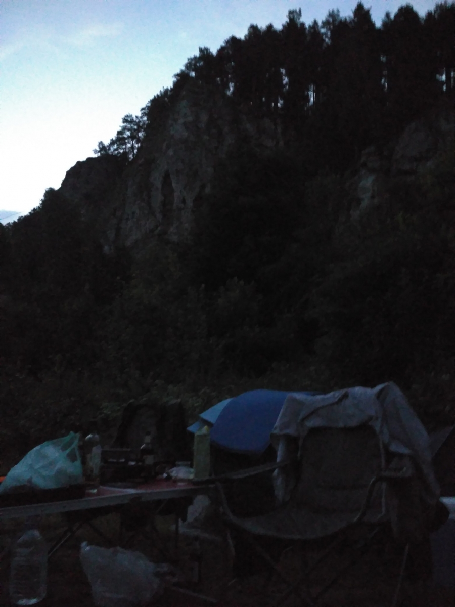 Лагерь у подножия Ермак-Камня