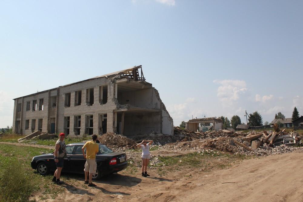 Заброшенная школа в Серапихе